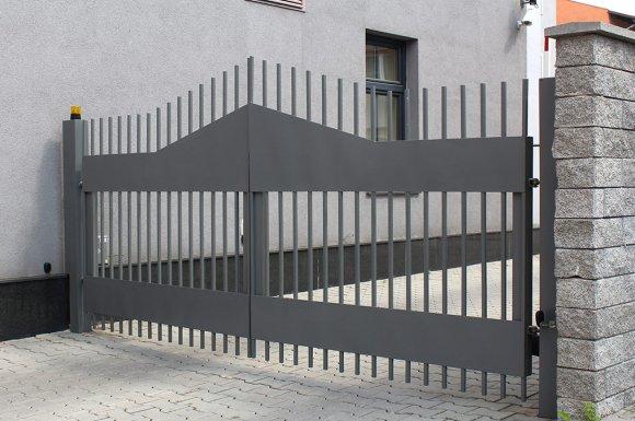 Entretien portail La Côte-Saint-André